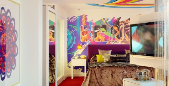 Jimi Hendrix Stayed at the Cumberland Hotel