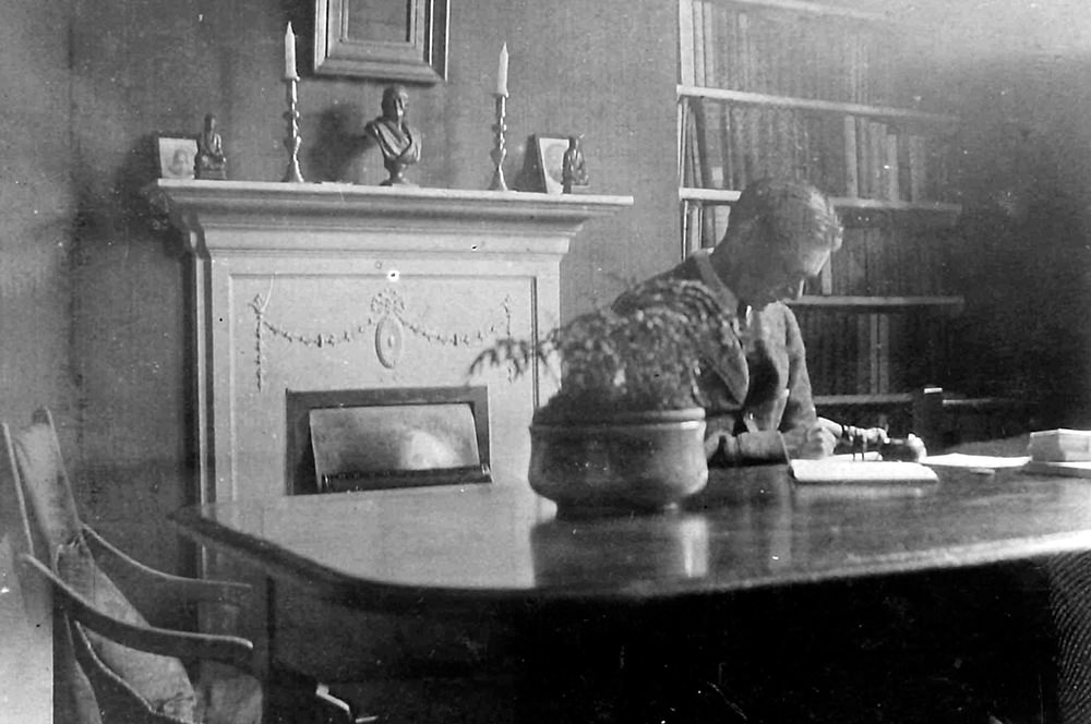 TS Eliot at the Dining Room table in Crawford Mansions courtesy of the Estate of TS Eliot