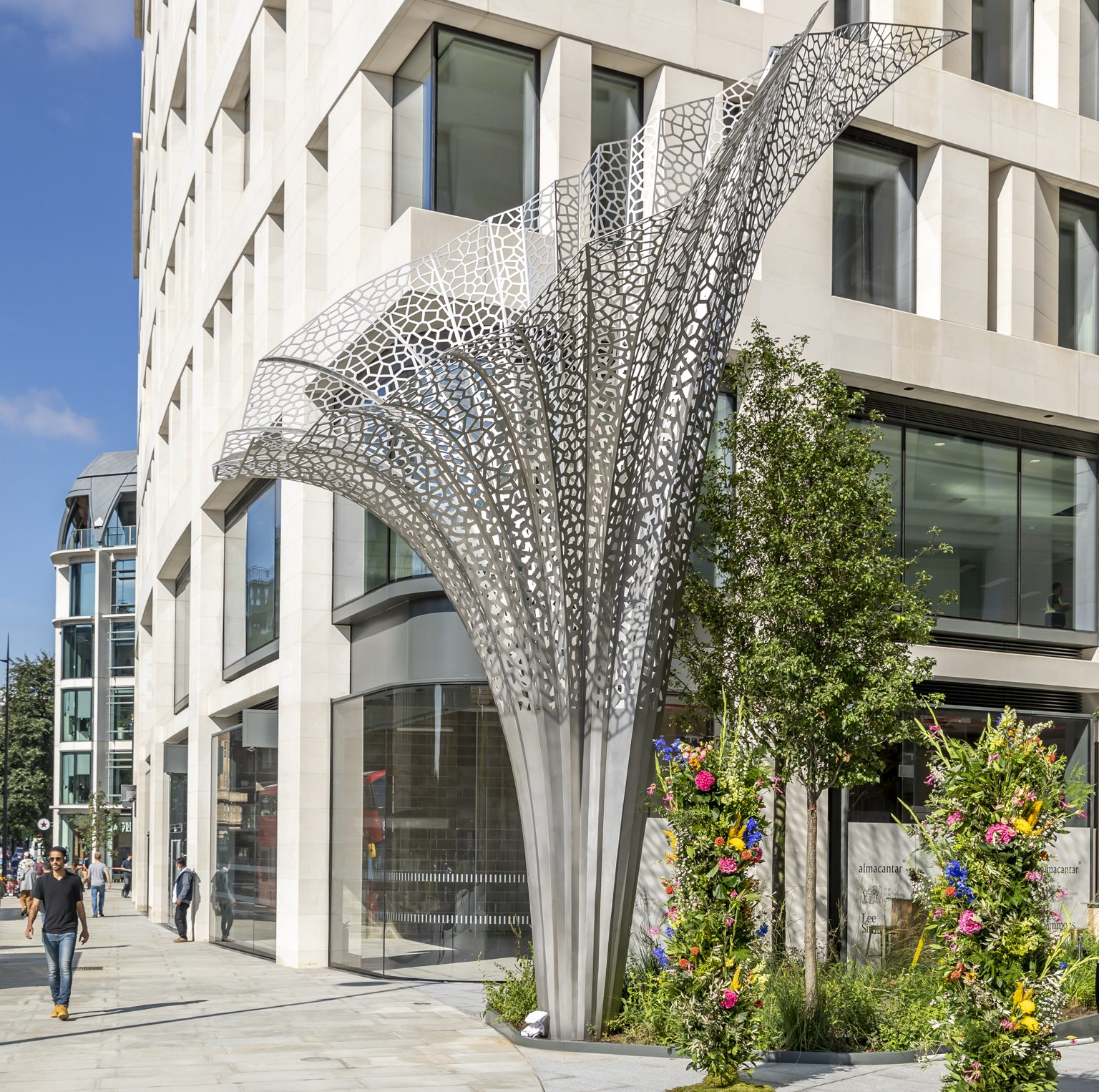 Almacantar Reveals New Sculpture at Marble Arch Place